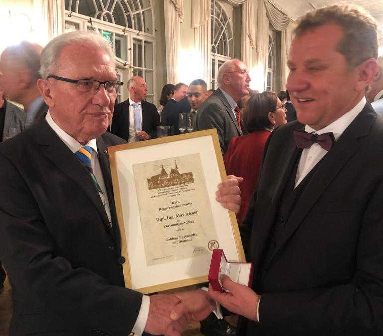 SVS ehrt langjährigen Gönner und Sponsor, Herrn Max Aicher